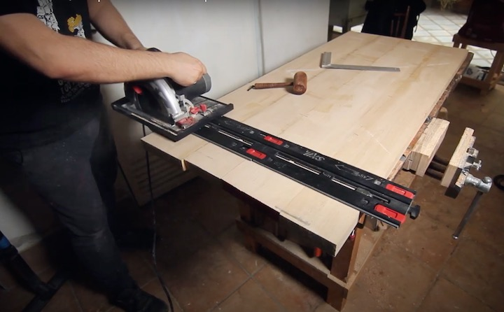DIY height adjustable desk: cut the frames