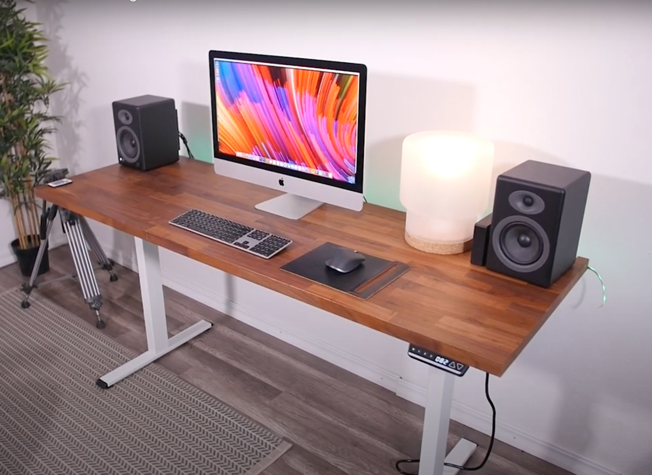 Computer on a height-adjustable desk